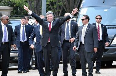 "<p style=""text-align: justify;""><span id=""result_box"" lang=""uk""><span class=""hps"">Петро</span> <span class=""hps"">Порошенко</span> <span class=""hps"">перед</span> <span class=""hps"">переговорами</span> <span class=""hps"">з</span> <span class=""hps"">Бараком</sp"