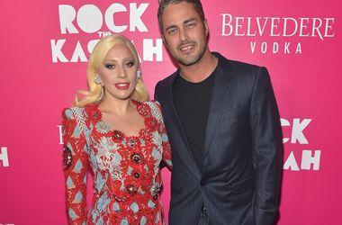 """Тейлор Кінні сподівається, що Леді Гага народить йому """"цілу футбольну команду"""""""