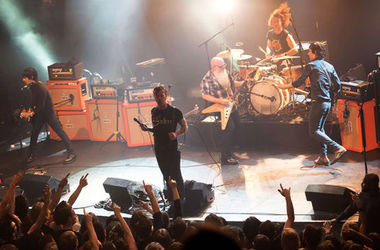 "<p style=""text-align: justify;"">Eagles Of Death Metal. Фото: AFP</p>"