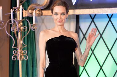 """Анджеліна Джолі зніметься в сіквелі """"Особливо небезпечний"""""""
