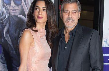 Амаль Клуні ревнує чоловіка до Сінді Кроуфорд