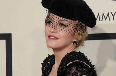 Син Мадонни вважає, що вона полює за ним, як за трофеєм