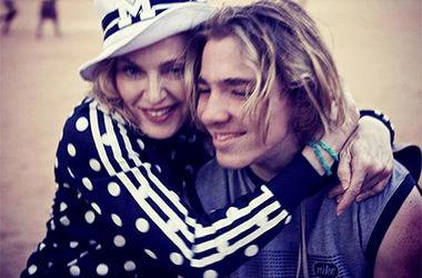 """Мадонна вважає, що Гай Річі """"промиває мізки"""" їхньому синові"""