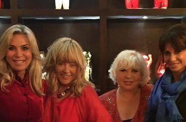 Схудла Пугачова з новою зачіскою і в міні з друзями відзначила китайський Новий рік (фото)