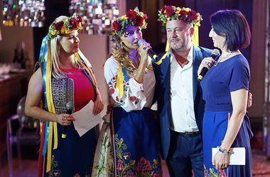 Дружина спікера Путіна поділилася фото в українській вишиванці
