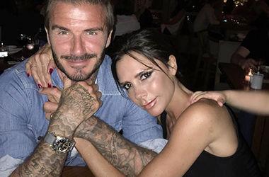 Девід і Вікторія Бекхем не приховують почуттів навіть в літаку (фото)