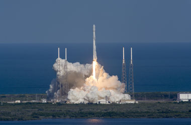 "<p style=""text-align: justify;"">SpaceX знову успішно запустила ракету Falcon 9, фото AFP</p>"