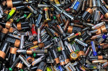 Що насправді відбувається з батарейками, зібраними в Україні