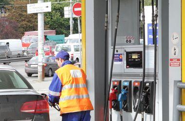 В Україні хочуть ввести новий податок на бензин: навіщо і скільки коштуватиме водіям