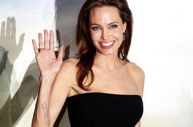 Анджеліна Джолі надасть нові докази жорстокого поводження Бреда Пітта з дітьми