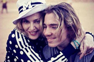 16-річного сина Мадонни і Гая Річі Рокко заарештували за вживання наркотиків