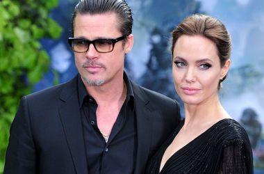 Анджеліна Джолі і Бред Пітт можуть позбутися прийомних дітей