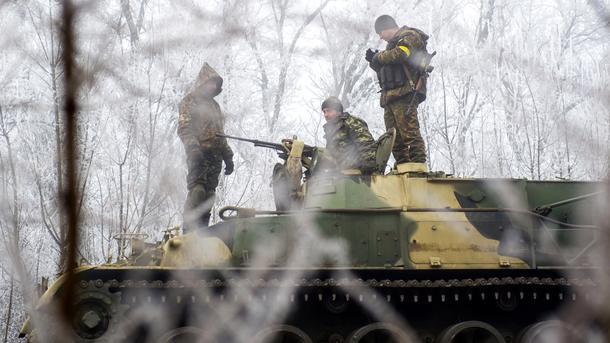 ВСочельник двое украинских бойцов получили ранения