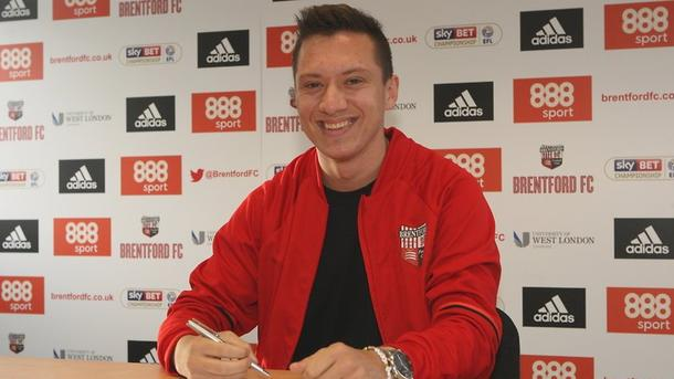 "<p style=""text-align: justify;"">Фото twitter.com/BrentfordFC</p>"
