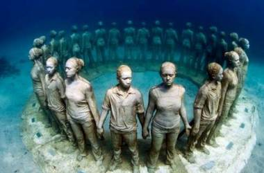 "<p style=""text-align: justify;"">Музей в море на Канарських островах. Фото: Jason deCaires Taylor / Facebook</p>"