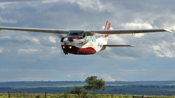 "<p style=""text-align: justify;"">Cessna 210, фото uk.pinterest.com</p>"