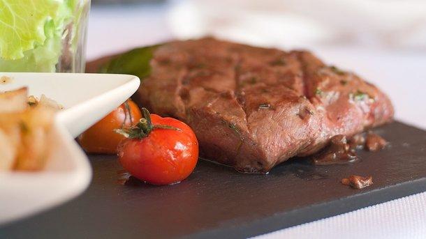 Вчені пояснили, чим загрожує відсутність м'яса в раціоні