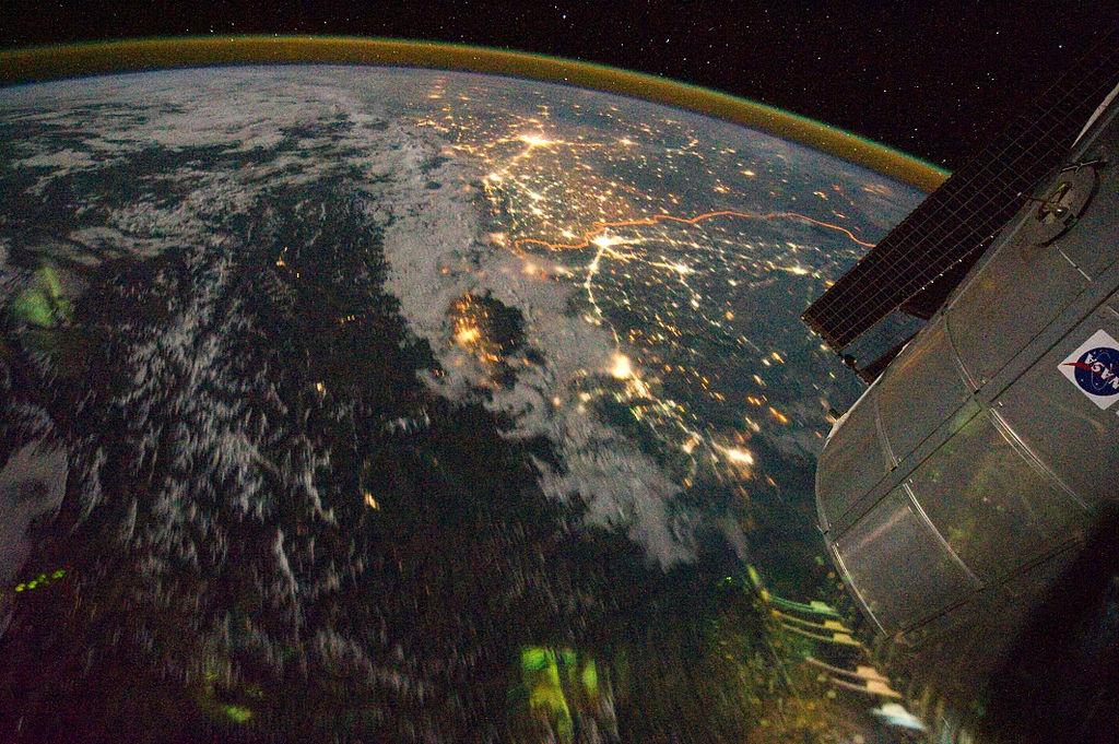1024px-india-pakistan_borderlands_at_night
