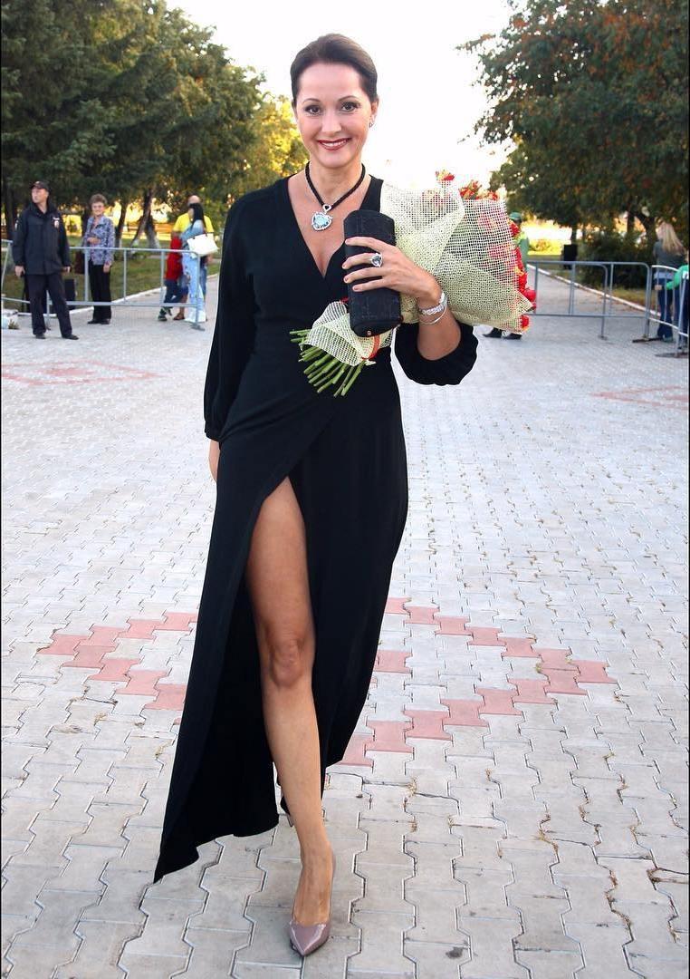 Альбіна Джанабаєва і Ольга Кабо вийшли в світ в однакових сукнях (фото)