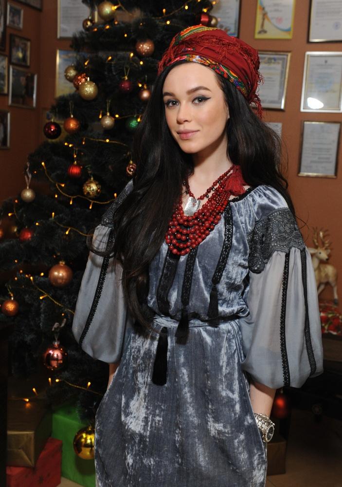 Марія Яремчук і Ольга Сумська продемонстрували свої найкращі вбрання в українському стилі (фото)