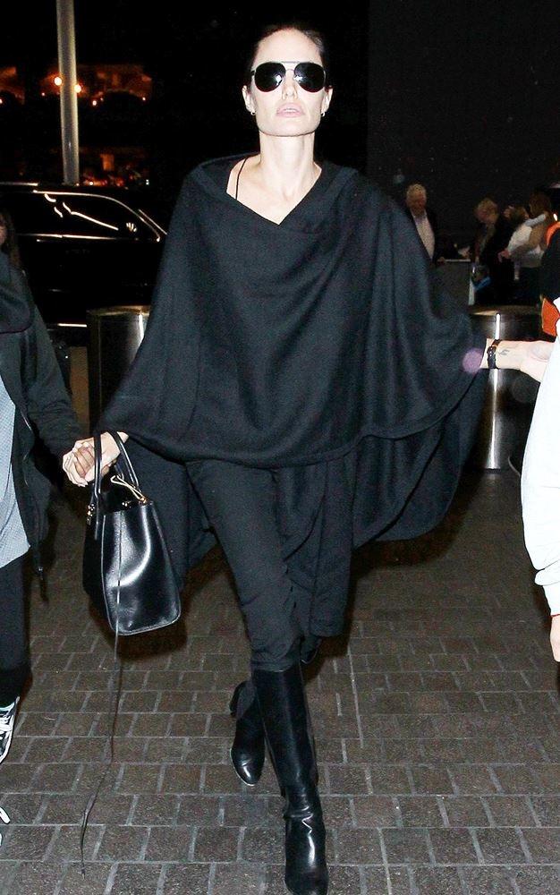 Худорлява Джолі шокувала блідим обличчям (фото)