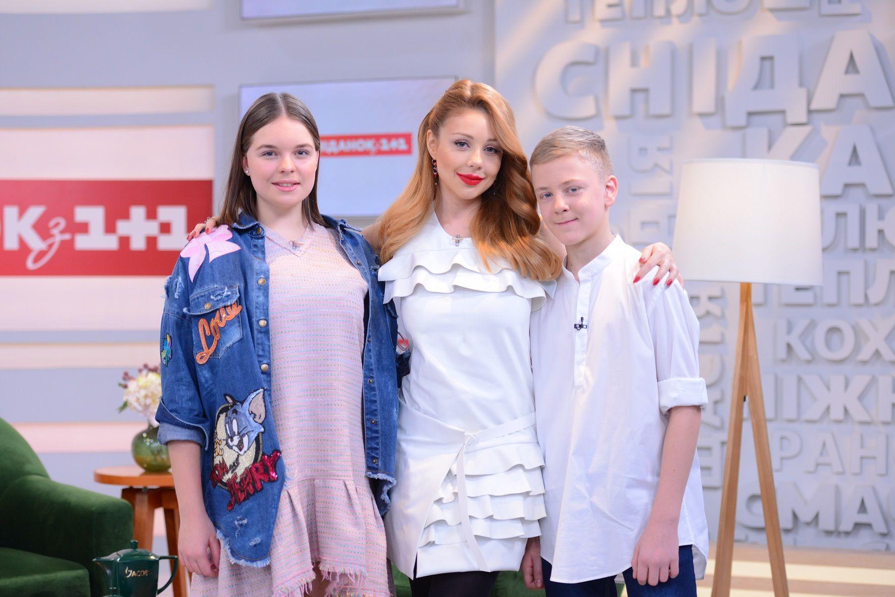 Тіна Кароль в шкіряному вбранні представила нову дитячу пісню (фото, відео)