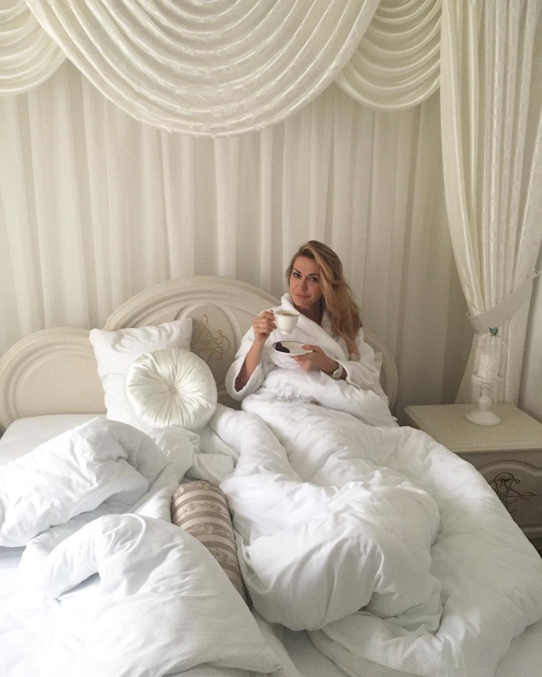 У ліжку і без макіяжу: Ольга Сумська похвалилася природною красою (фото)
