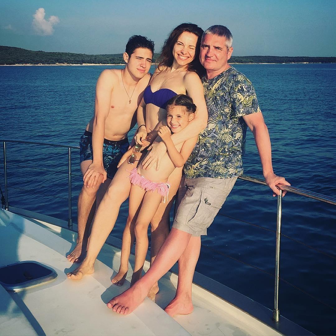40-річна актриса Катерина Гусєва в день народження вразила фігурою в бікіні (фото)
