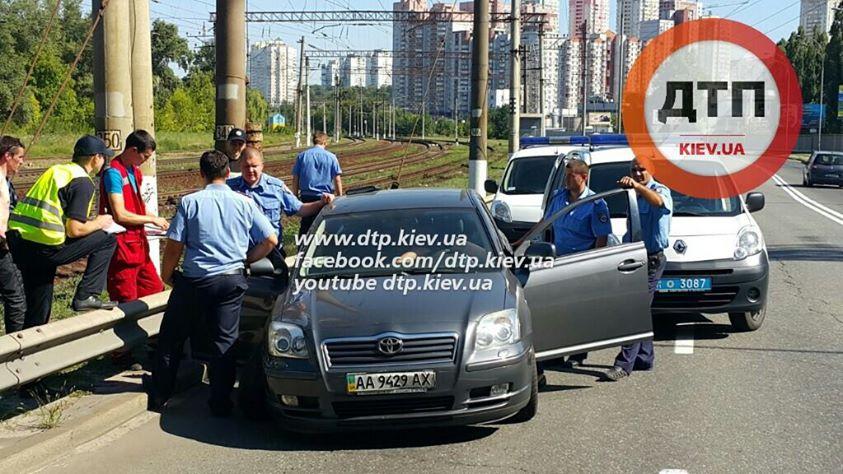 У Києві водій іномарки помер на ходу