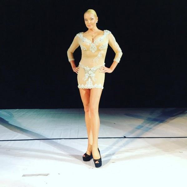 Анастасія Волочкова показалася на публіці у відвертому вбранні