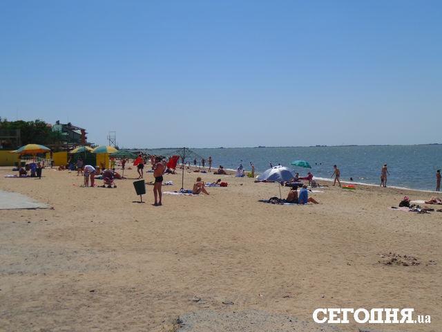Сімейний нудиський пляж фото 93-819