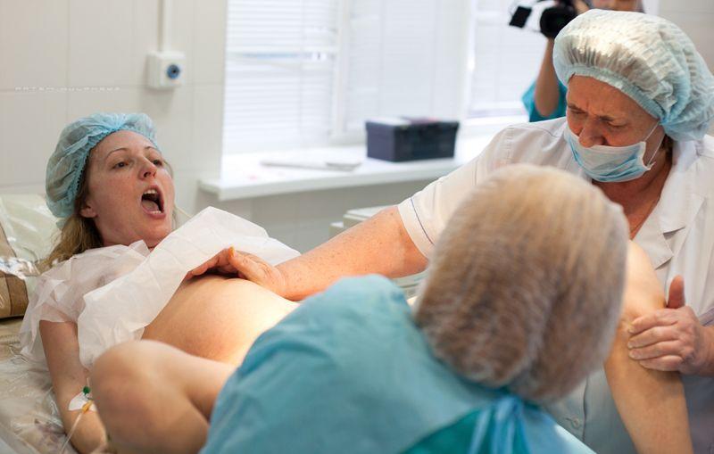 жінка у гінеколога фото