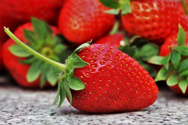 strawberries-3359755_960_720