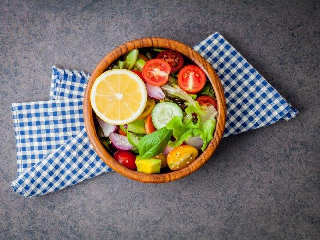 the-bowl-of-healthy-vegan-salad_35641-70