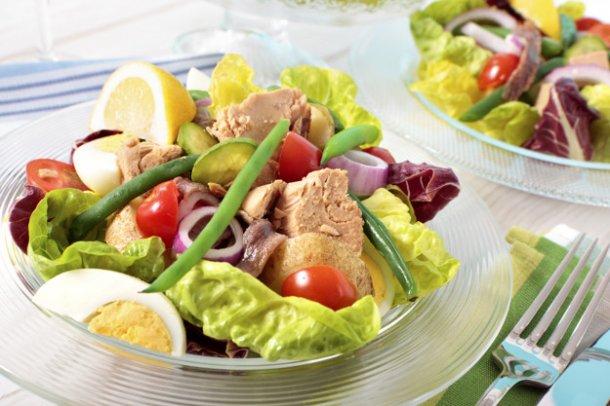 tuna-salad-presentation_1147-489