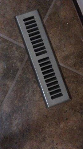 Замість батарей повітря в будинку гріє furnace