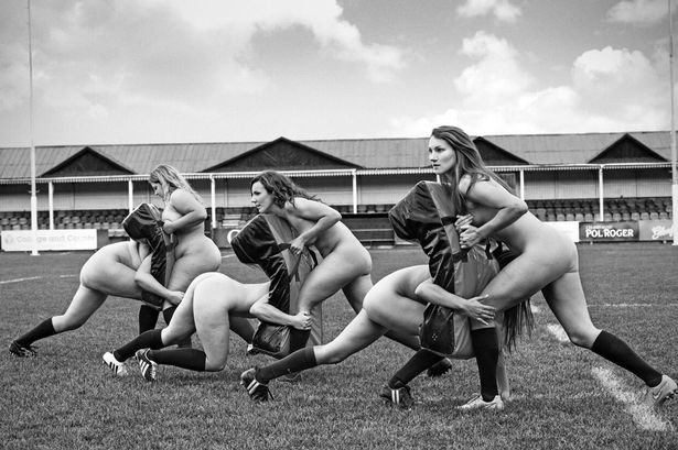 1oxford-university-womens-rugby-players-strip-off-for-charity