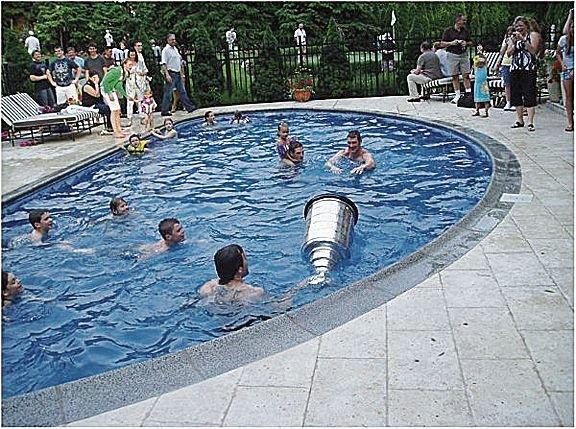mario_lemieuxs_-_swimming_pool__