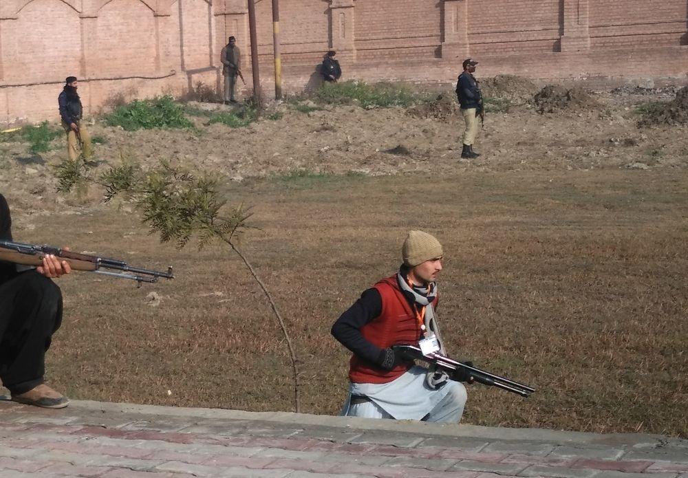 Терористи влаштували стрілянину вуніверситеті Пакистану: є жертви,— ОНОВЛЕНО