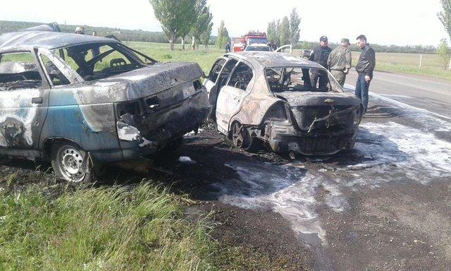Лобове зіткнення двох авто наДонбасі - ніхто невижив