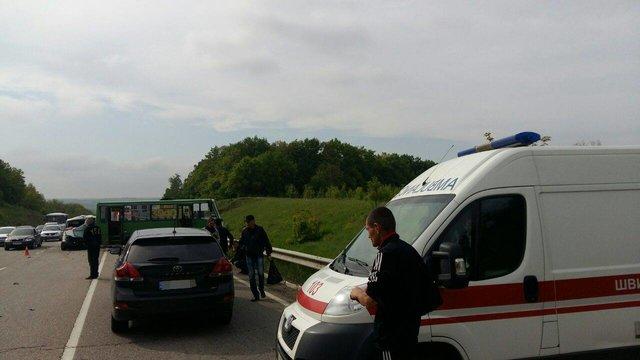 11 людей постраждали вДТП біля Харкова