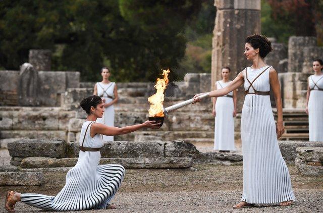 Олімпійський вогонь запалав уГреції