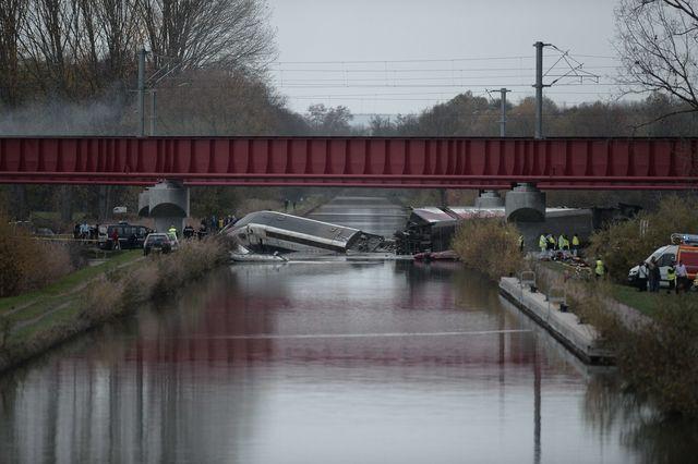 УФранції зійшов зрейок швидкісний потяг, п'ятеро людей загинули