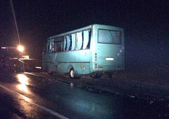 У Рівненській області маршрутка врізалася втрактор, є постраждалі