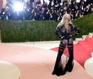 57-річна Мадонна приголомшила оголеними грудьми і сідницями у вульгарному вбранні (фото)