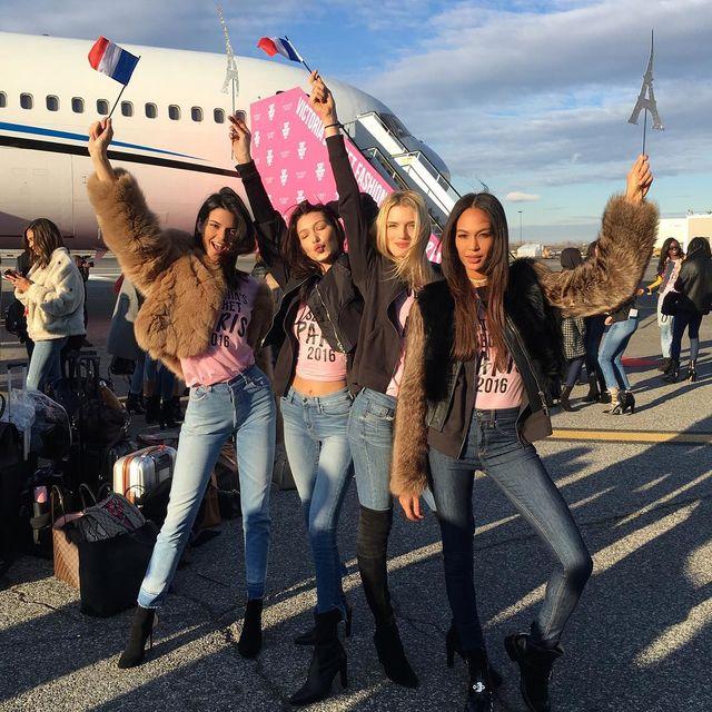 Як моделі Victoria's Secret готуються до показу в Парижі (фото,відео)