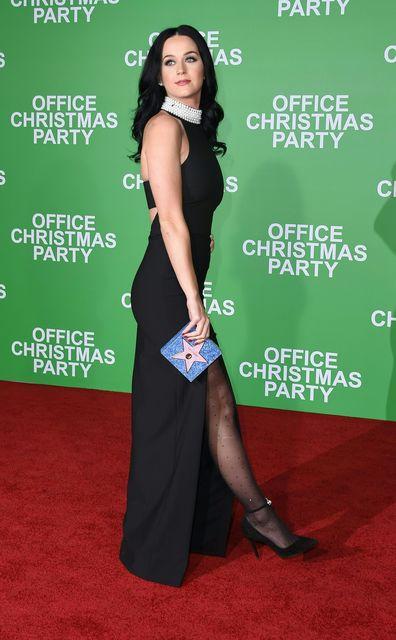 Дженніфер Еністон засвітила груди на червоній доріжці (фото)